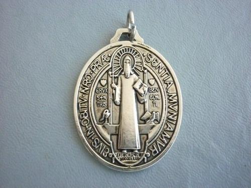 medalla de san benito en 7metales virgenes acabado artesanal