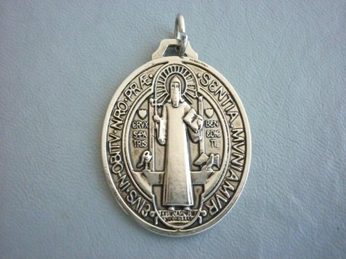 d67e4970ccd Medalla De San Benito Obal Vs. Brujerias Acabado Antiguo -   350.00 ...