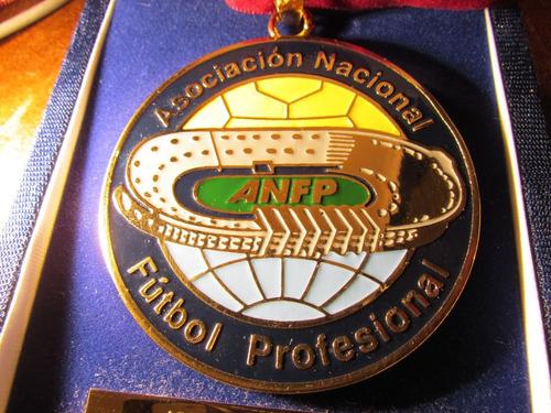medalla esmaltada asociacion nacional de futbol profesional