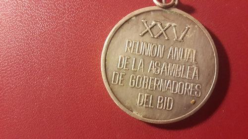 medalla reunión anual gobernadores del bid, 1984, mt063