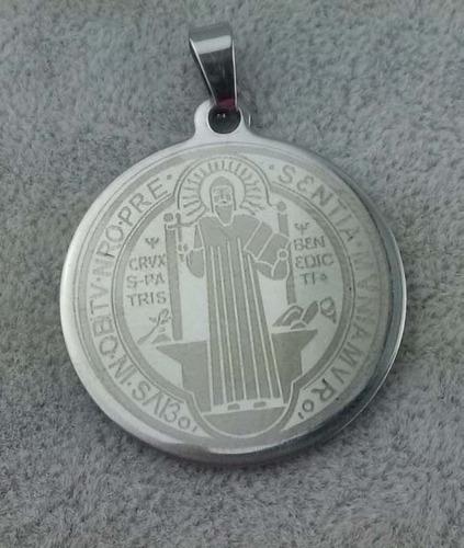 medalla san benito acero inoxidable 2.6cm - color plata