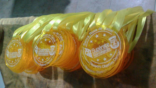 medallas 3mm acrilico grabado en laser trofeos