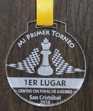 medallas 3mm acrilico grabado mate en laser trofeos