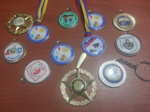 medallas acrílicas y metálicas