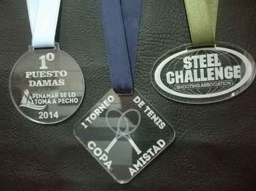 medallas en acrílico de 5 cm c/cinta en 4 mm cristal