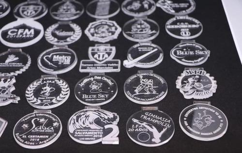 medallas trofeos y premiaciones en acrilico, medalleria