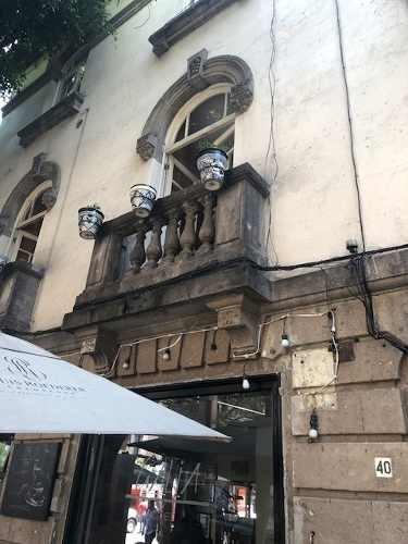 medellin, fachada del porfiriato, sin estacionamiento
