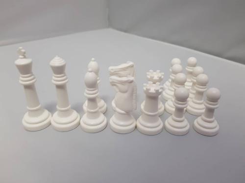 medio juego ajedrez color blancoo - combina colores