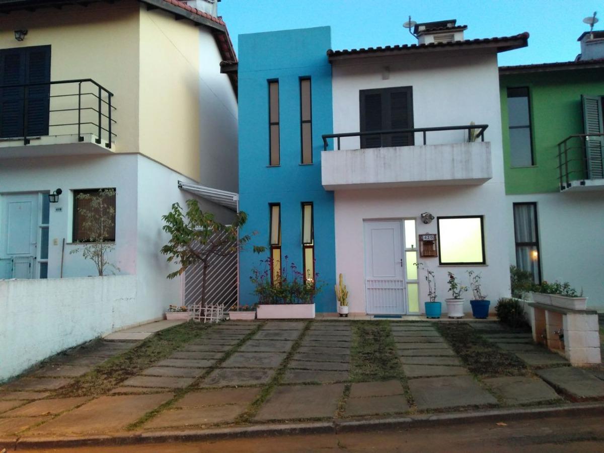 mega casa em condomínio com 3 dormitórios. ref 79899