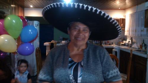 mega mariachi 2000 de gerardo madriz... primer animador hoy.