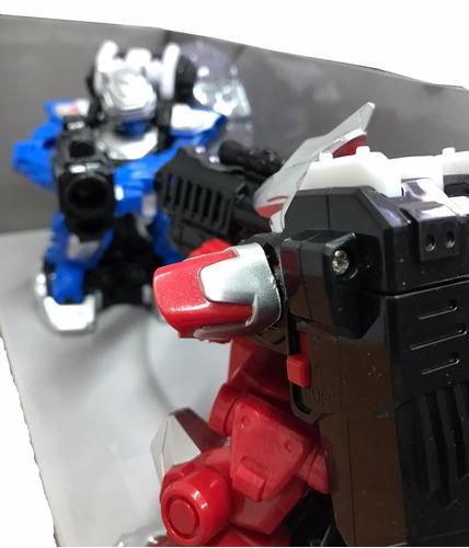 megabots versus robots de lucha c/control remoto originales