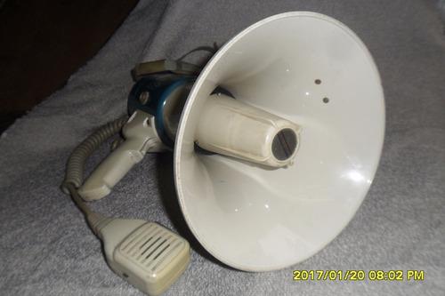 megaphone con  altavos y sirena usado