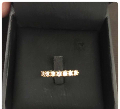 meia aliança de ouro 18k com sete diamantes