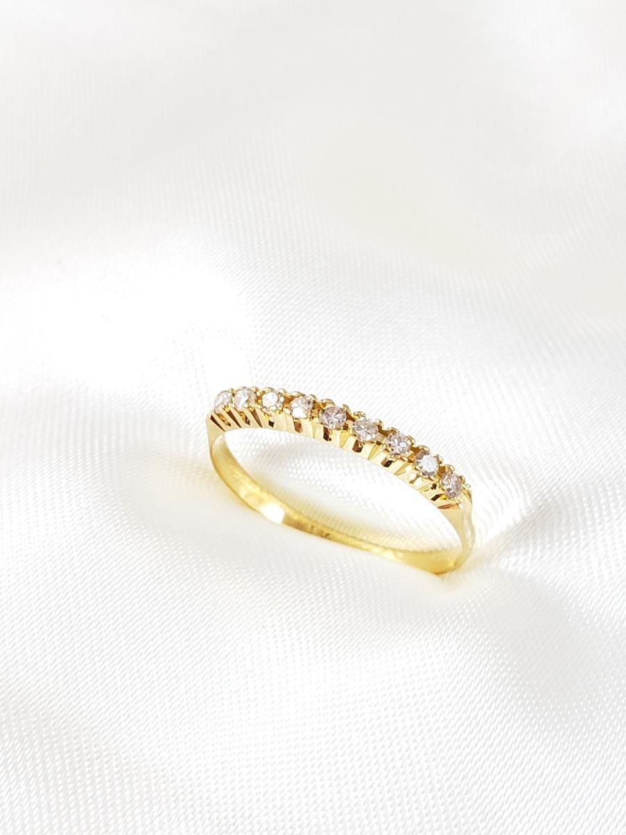 4407fbbf0db8a meia aliança moderna de ouro amarelo com diamantes 02 pontos. Carregando  zoom.