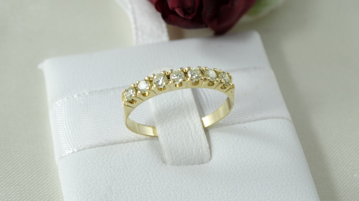 meia aliança moderna de ouro amarelo e diamantes de 05 ponto. Carregando  zoom. 6c68d04edf