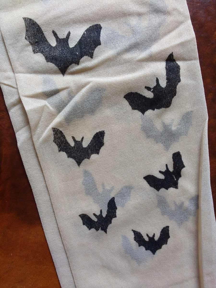 84c97e0c7 meia calça fake tattoo tatuagem transparente morcegos gótica. Carregando  zoom.