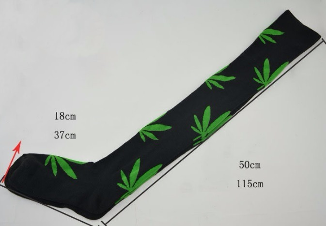 af4d583cbf663 Meia Skate Punk Masculina Feminina Planet Hemp Cannabis - R  48