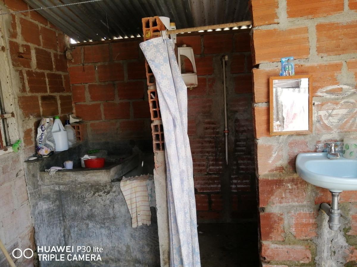 mejora en material, dos habitaciones, cocina, sala, baño