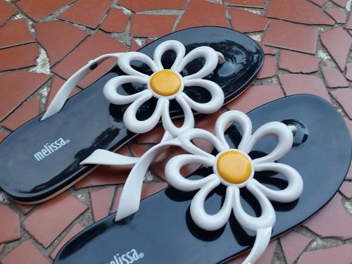 melissa sweet daisy tamanho 39/40 preta branca - usada 1 vez