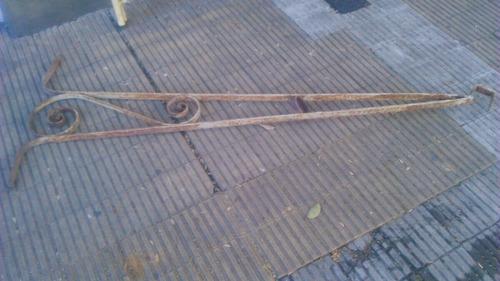 ménsula gran tamaño hierro remachado. cód.: #0350