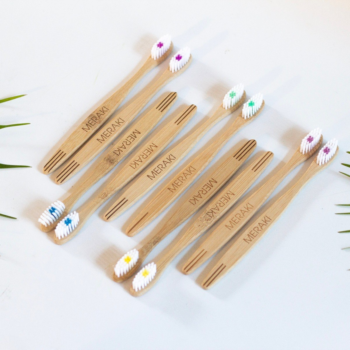 meraki bambu cepillo de dientes caja 20u adulto duro. Cargando zoom. 4f4e38bc80f3