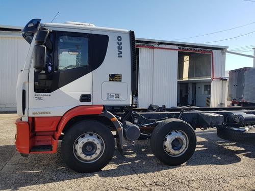 mercalf - iveco tector 240e25 2011/2012 chassi (cód8895)