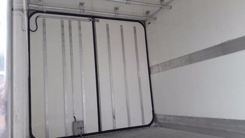 mercedes 1016 4x2 ano 2015/2016 frigorífico gancheiro novo