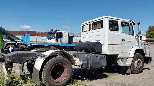 mercedes 1215 tractor, c/dormitorio