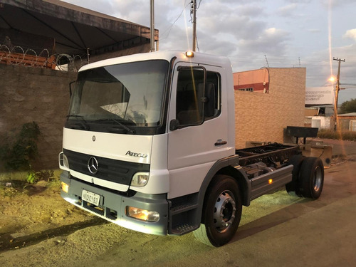 mercedes 1725 chassis 4x2 ano 2008