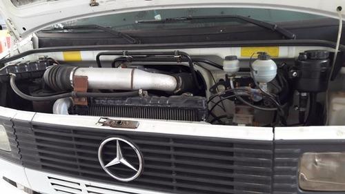 mercedes 710 4x2 ano 2009/2009 (cabine suplementar)