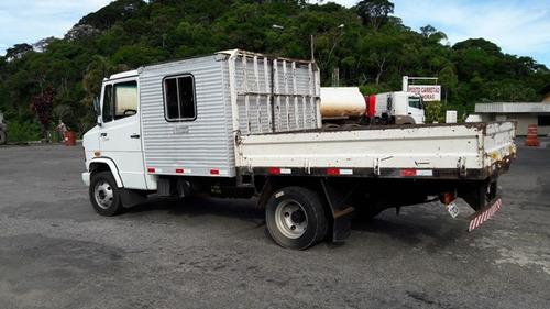 mercedes 710 4x2 ano 2010/2011 cabine suplementar