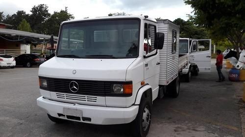 mercedes 710 4x2  (cabine suplementar) 10 passageiros