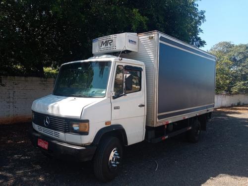 mercedes 914 caminhão