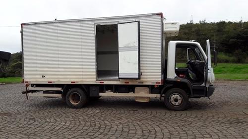 mercedes-bens 1016 4x2 ano 2015/2016 frigorífico gancheiro