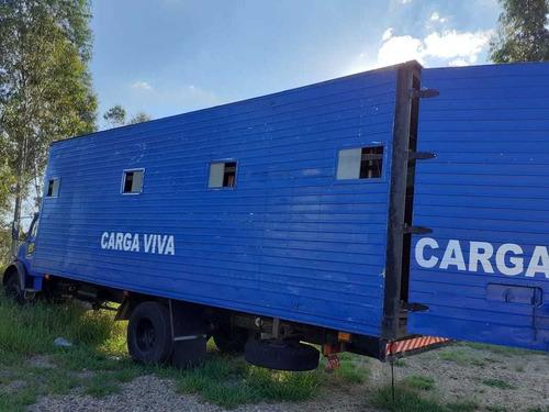 mercedes-benz 1113 bau   para transportar cavalos