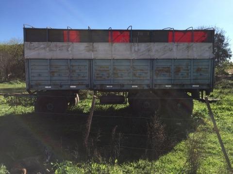 mercedes benz 1114, acoplado montenegro, camioneta chevrolet