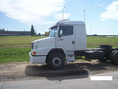 mercedes benz 1624 tractor modelo 2009