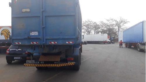 mercedes-benz 2013 com munck de 10 ton e 360 graus de giro