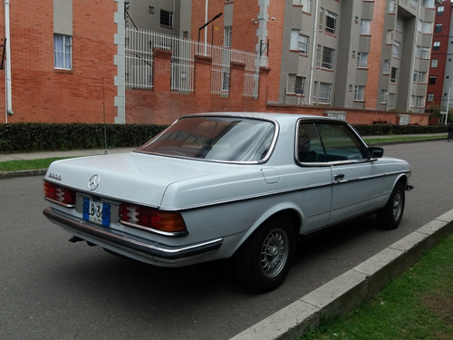mercedes benz 230c, placa antiguo, 1977 blanco.