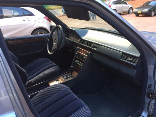 mercedes benz 230e at