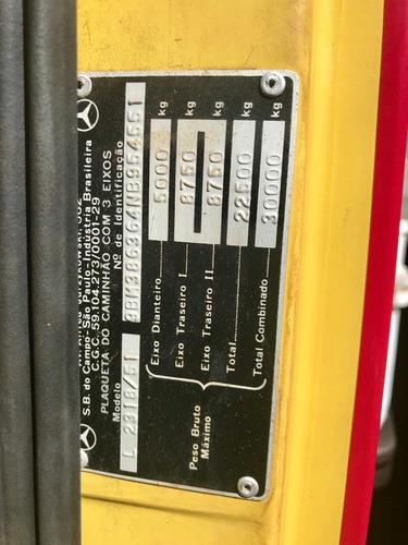 mercedes-benz 2318 (6x4)