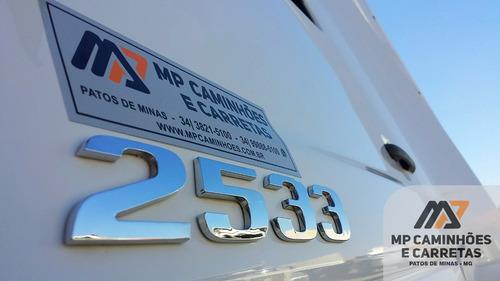 mercedes-benz 2533 caminhão
