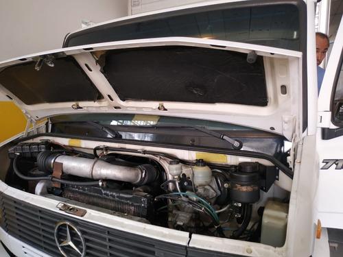 mercedes benz 710 2008 com baú 4 metros baixo km original