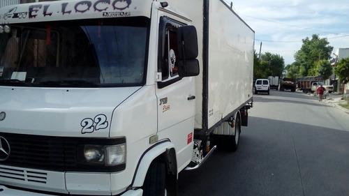 mercedes benz 710 año 2012 carrocería paquetera