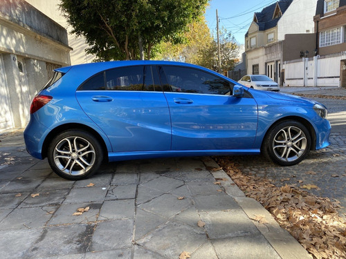 mercedes benz a200 urban automatico 2016 azul electric