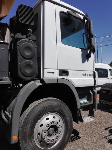 mercedes benz  actros 4844  8x4 con caja volcadora