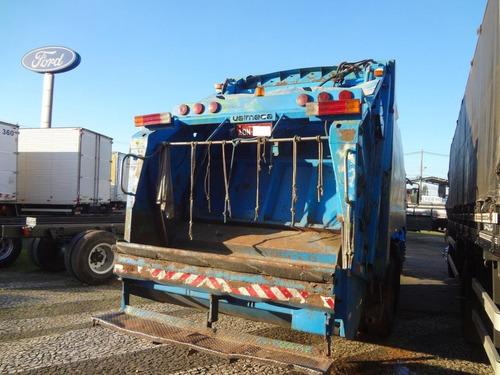 mercedes-benz atego 1725 2006 branco 6x2 compactador de lixo