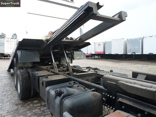 mercedes-benz atego 2425 6x2 plataforma guincho hidráulico