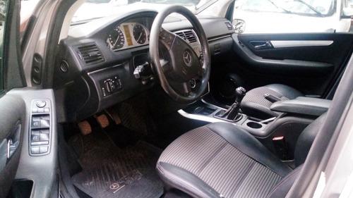 mercedes benz b200 - no chocado - con detalles
