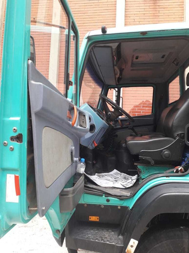 mercedes- benz caminhão